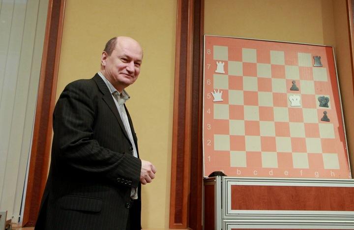 Weekly chess study # 16 – Oleg Pervakov study