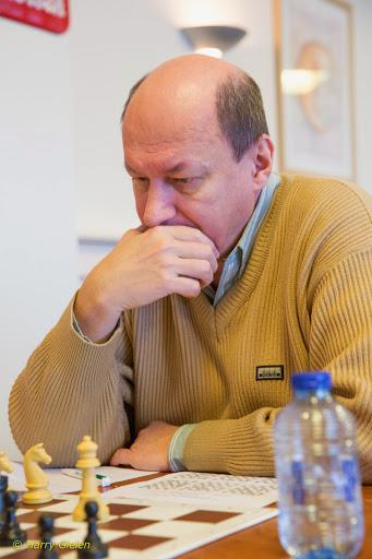 Weekly chess study #19 – Oleg Pervakov study solution